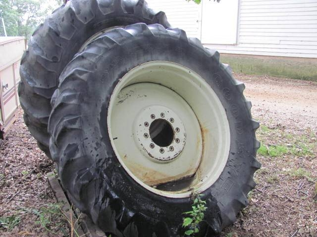 18 4x38 Tractor Duals : Roers equipment inc